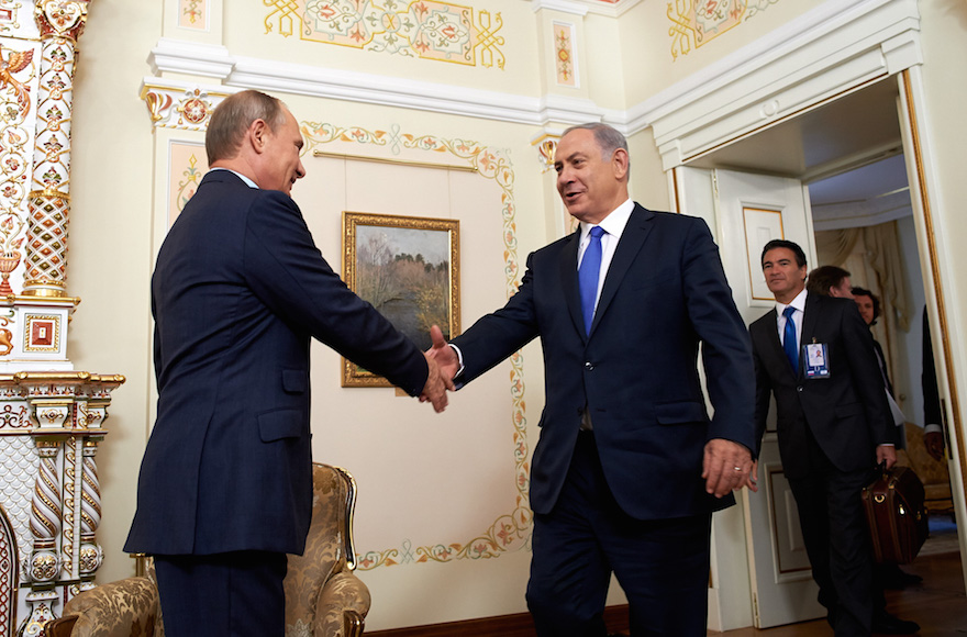 Israeli Prime Minister Benjamin Netanyahu meeting with Russian President Vladimir Putin in Moscow on Sept. 21, 2015. (Israeli Embassy in Russia/Flash90)