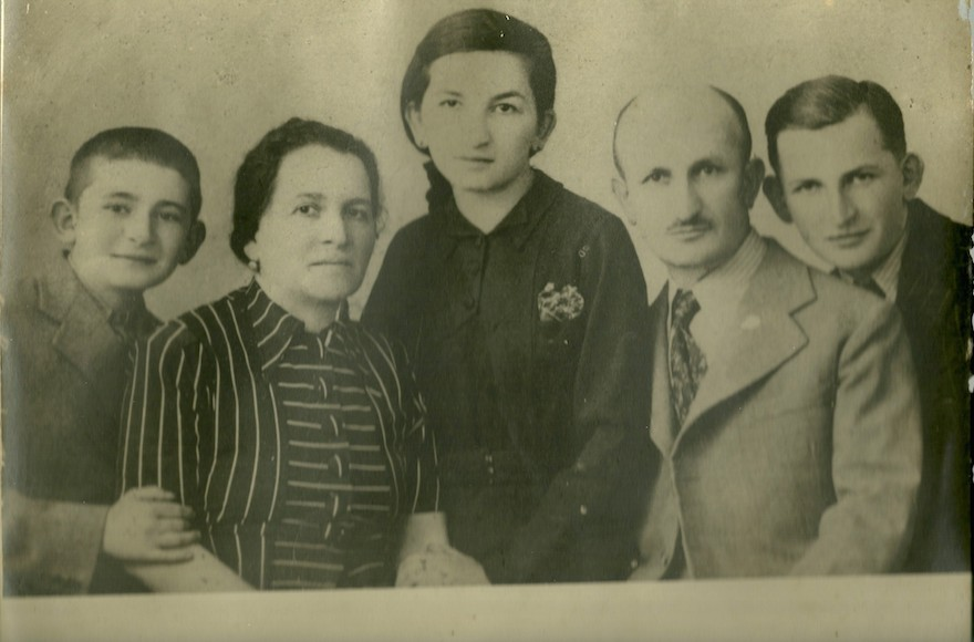 Fabio Rosenfeld of Brazil hopes to find his great-aunt, Aranka, center, shown here in the 1930s flanked by her parents, Hermine and Simon, and brothers Miklos, left, and Lajos. (Courtesy of Fabio Rosenfeld)