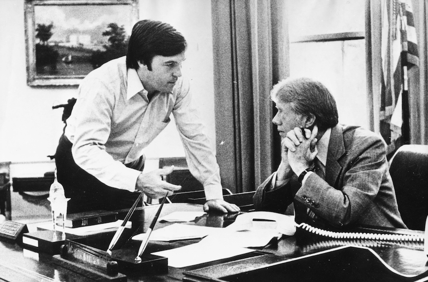 White House Chief of Staff Hamilton Jordan, left, speaking with President Jimmy Carter at the White House, July 19, 1979. (Keystone/Hulton Archive/Getty Images)