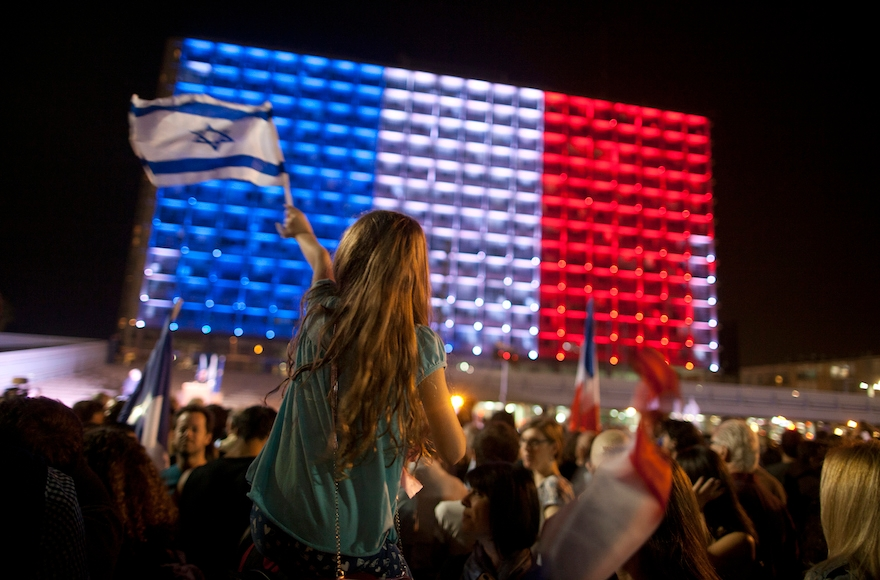 People gather to show solidarity with the victims of the Paris attacks in Tel Aviv's Rabin Square, Nov. 14, 2015. (Lior Mizrahi/Getty Images)