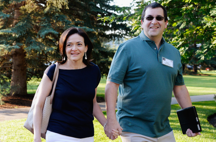Dave Goldberg, right, with wife Sheryl Sandberg in Sun Valley, Idaho, July 10, 2013. (Kevork Djansezian/Getty Images)