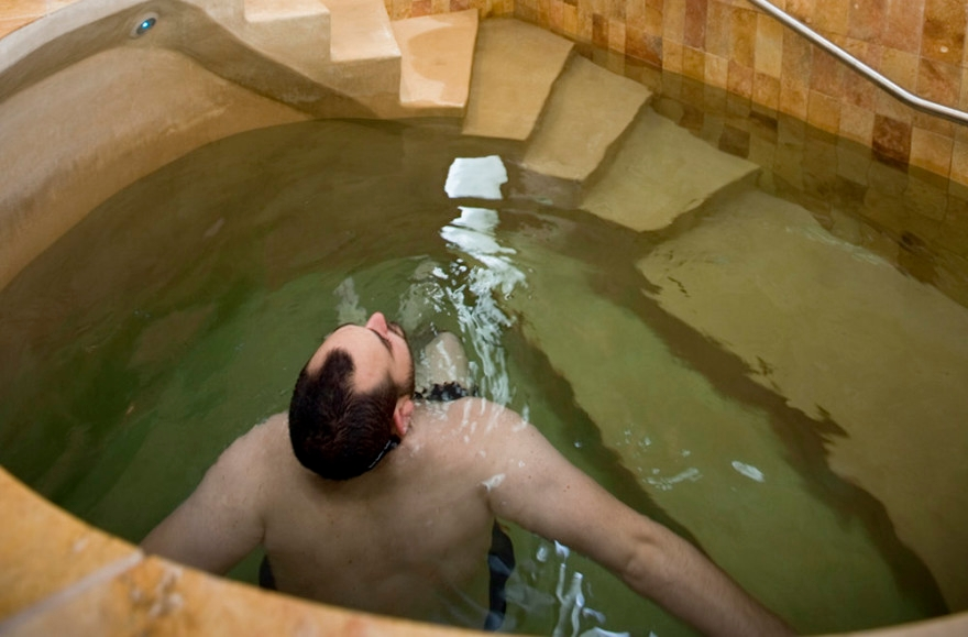 Chabad rabbi building '1st mikvah in West Africa' in