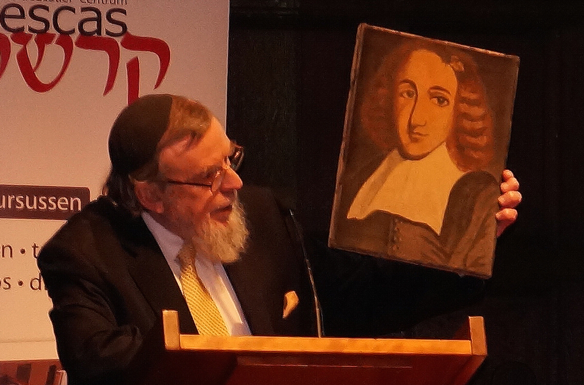 Dutch Portuguese Rabbi Nathan Lopes Cardozo arguing for the lifting of the ban on Baruch Spinoza, Dec. 6, 2015. (Cnaan Liphshiz)