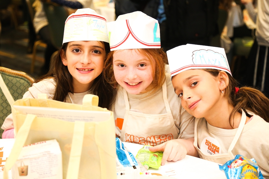 More than 1,100 children learned to make challah at Kids Mega Challah Bake in New York, Jan. 12, 2015. (Benams Photo/Courtesy of Chabad.org)