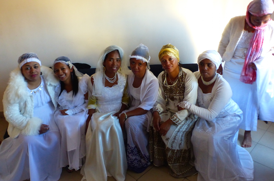 Malagasy women getting married after converting to Judaism, May 2016. (Deborah Josefson)