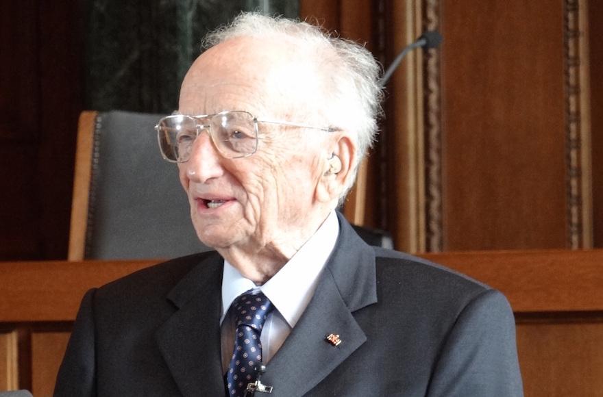 last surviving nuremberg prosecutor donates m to us holocaust  benjamin ferencz former nuremberg trials prosecutor benjamin ferencz