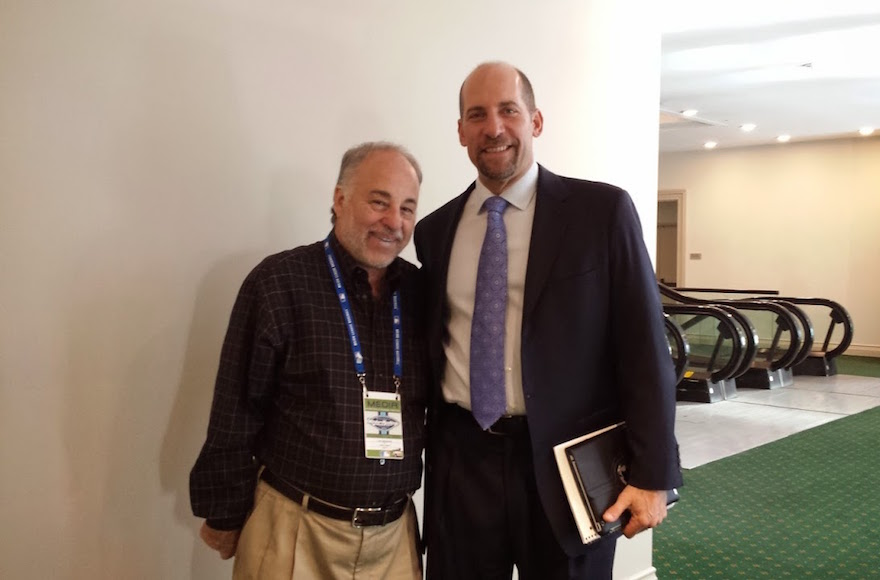 Baseball writer Dan Schlossberg, left, with former Atlanta Braves Hall of Fame pitcher John Smoltz. (Courtesy of Dan Schlossberg)