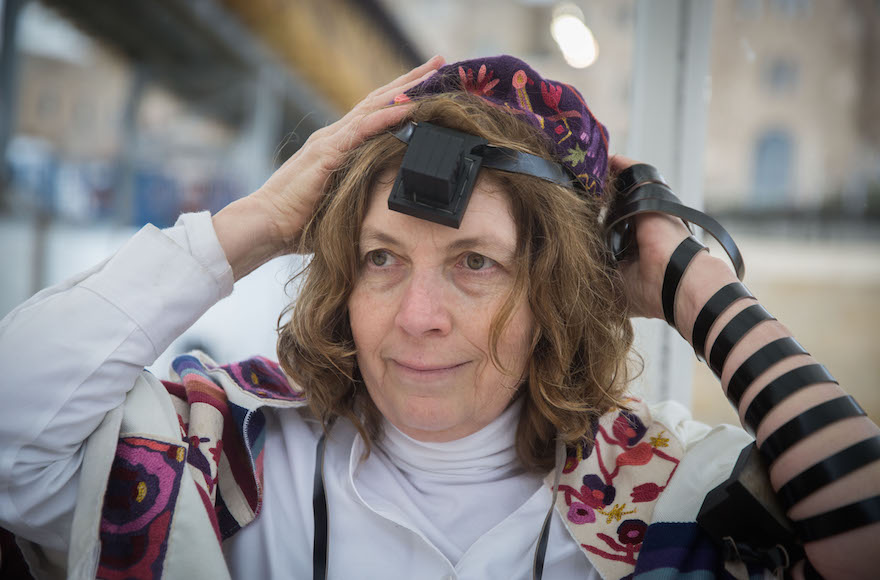 Anat Hoffman at the Western Wall, Feb. 7, 2016. (Hadas Parush/Flash90)
