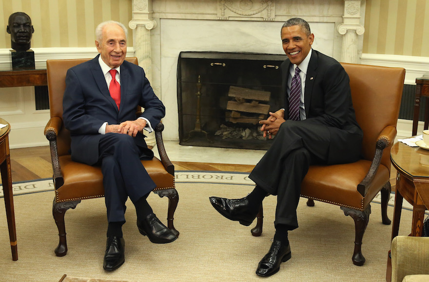 Shimon Peres and President Obama meeting in Washington, D.C., June 25, 2014. (Mark Wilson/Getty Images)