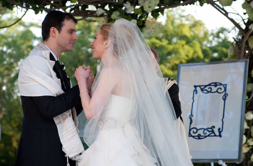 Marc Mezvinsky and Chelsea Clinton combined Jewish and Methodist traditions during their wedding ceremony on July 31, 2010. (Genevieve de Manio)