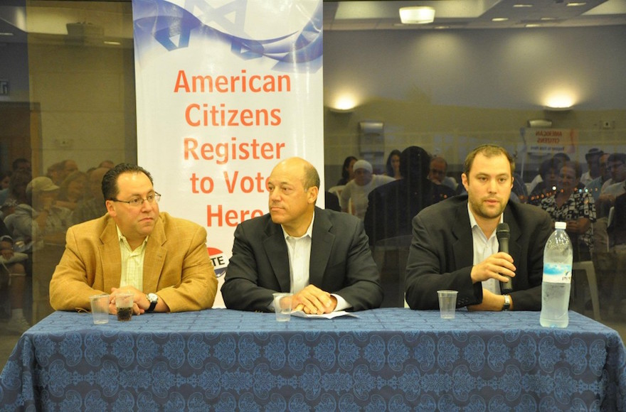 Left to right, Matthew Brooks, Ari Fleischer and Elie Pieprz in Modi'in registering American citizens in Israel to vote in November's U.S. presidential elections, July 11, 2012. (iVoteIsrael)