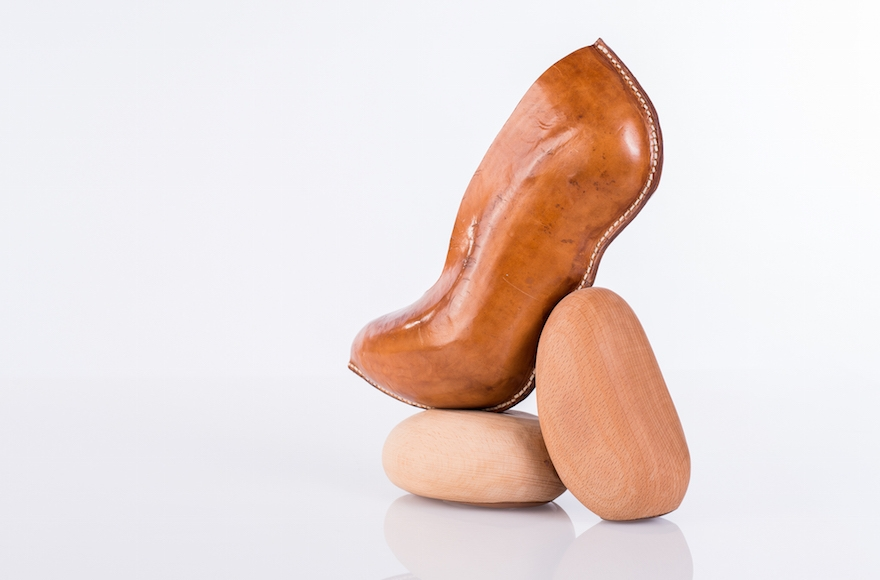 Pebbles, Tzlil Vered (Talya Crudo)