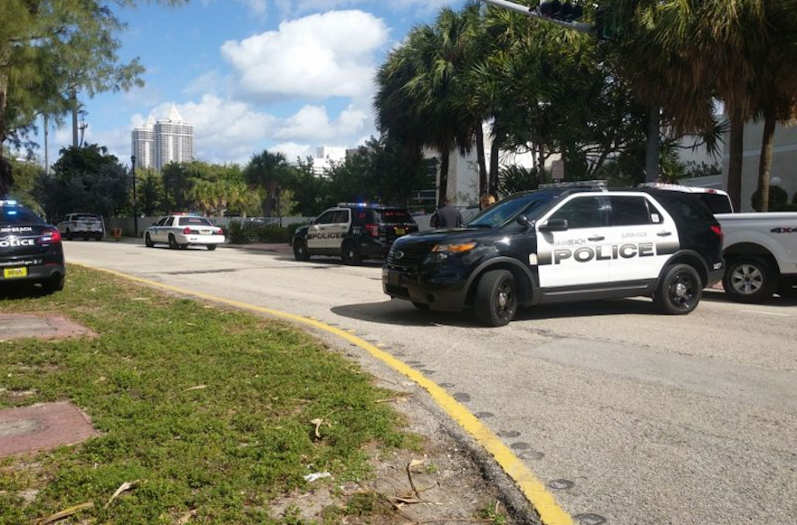 Police outside a Jewish Community Center in Miami Beach. (Screenshot from Twitter)