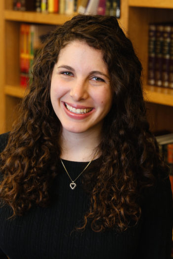 Leah Sarna, due to receive ordination in 2018, opposes the O.U. decision but appreciates the Jewish legal process that guided it. (Courtesy of Sarna)