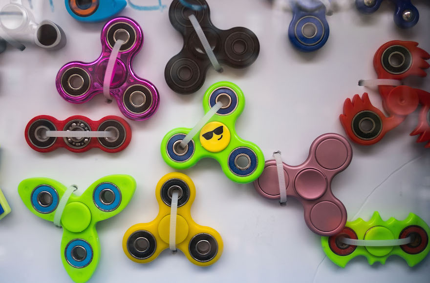 fidget spinners declared kosher for shabbat jewish telegraphic agency