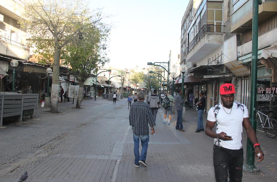 African neighborhood, #1 (580)