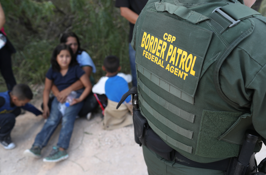 10 rabbis are visiting separated families on the border