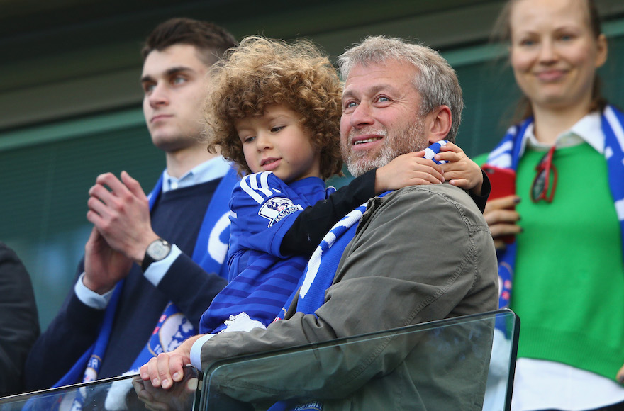 Billionaire Roman Abramovich helps brings ill Israeli kids to the World Cup