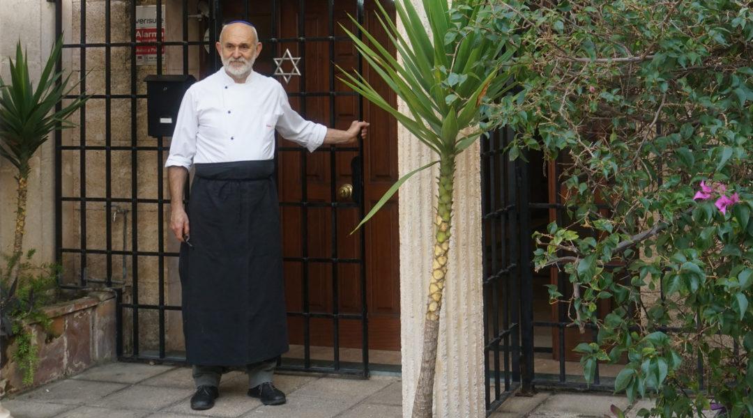 Toni Pinya entering the synagogue of Palma de Mallorca, Spain on Feb. 11, 2019. Cnaan Liphshiz