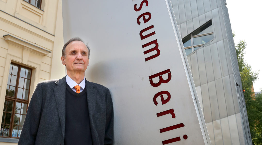 Peter Schefer, shown in front of the main entrance of the Berlin Jewish Museum in 2014, stepped down as director.