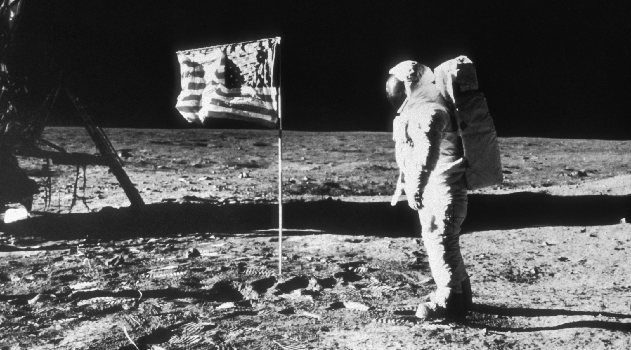 1969 moon walk - 1080×600