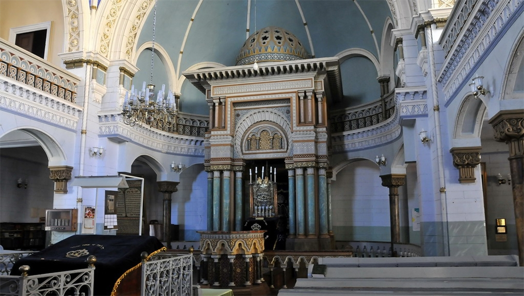 The interior of the Choral Synagogue in Vilnius, Lithuania (Wikimedia Commons)