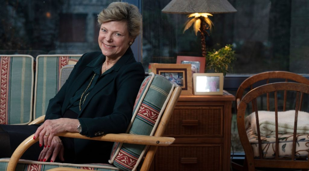 Pioneering journalist Cokie Roberts, who with her husband wrote about their interfaith marriage, dies