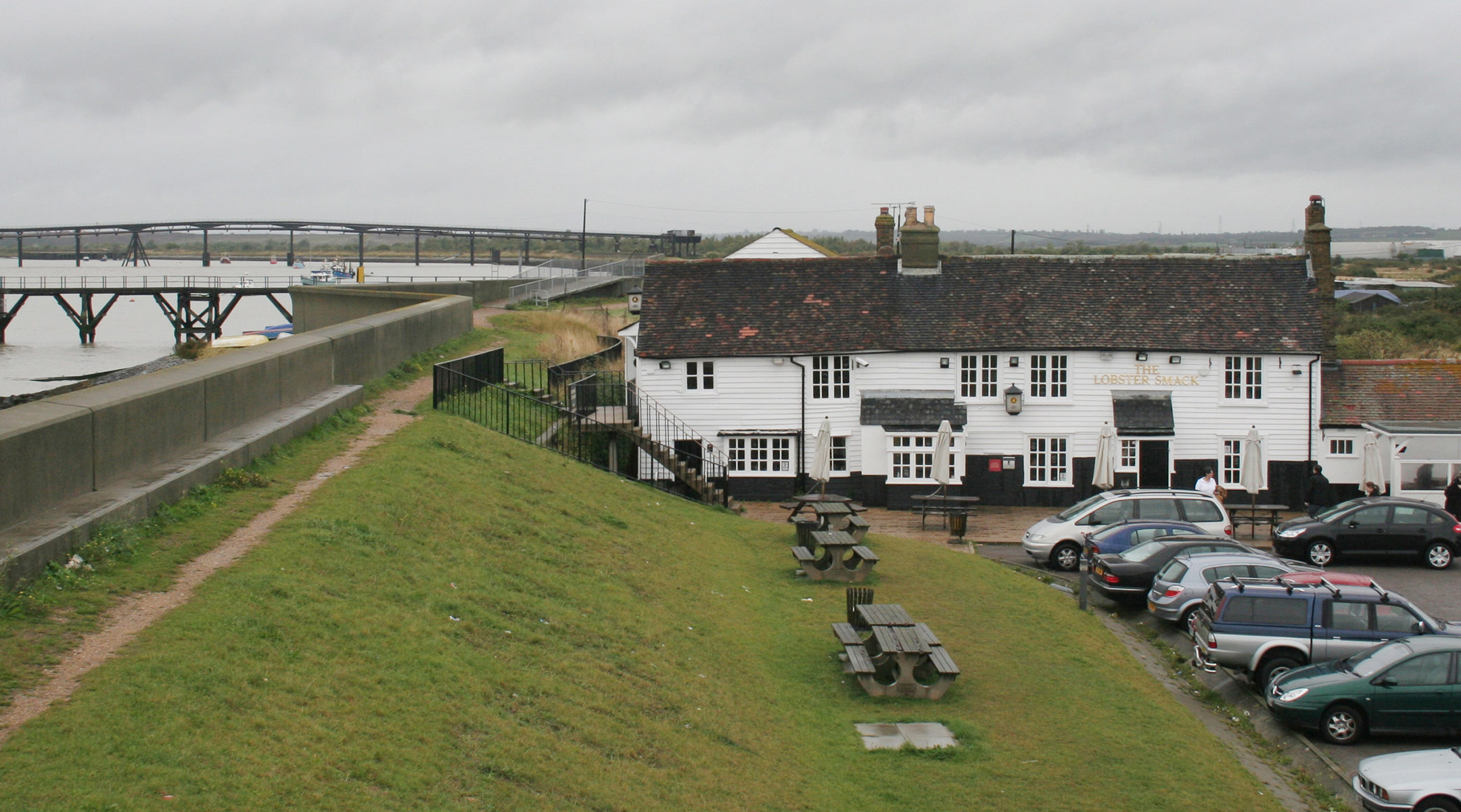 A restaurant in Canvery Island, the United Kingdom (Wikimedia Commons)