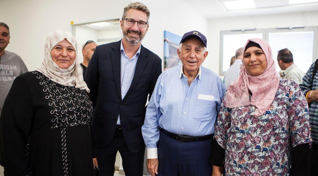 Os beduínos de Israel obtêm um novo centro para ajudar na formação profissional