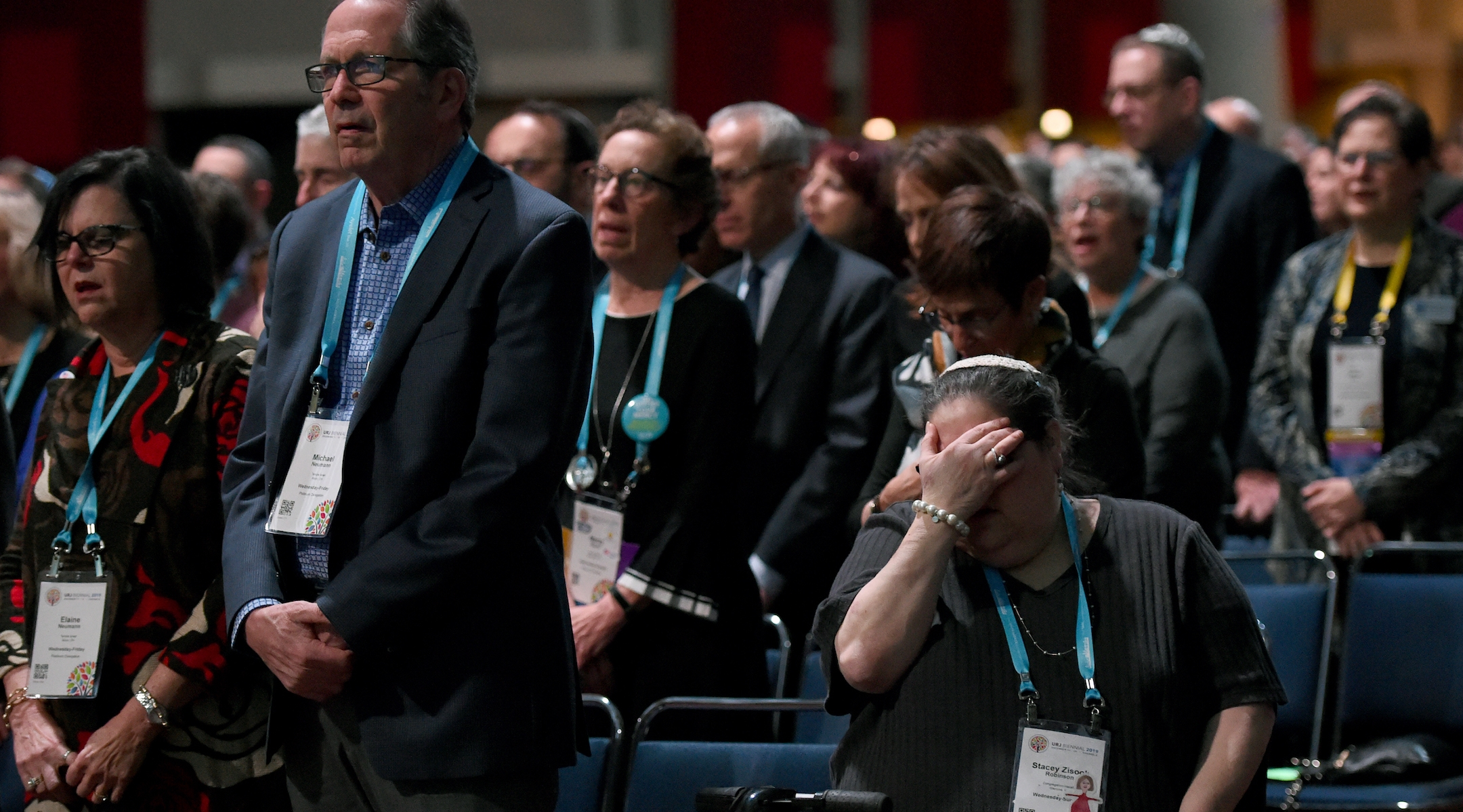 Worshippers at the Friday night service. (Rob Dicker/Union for Reform Judaism)