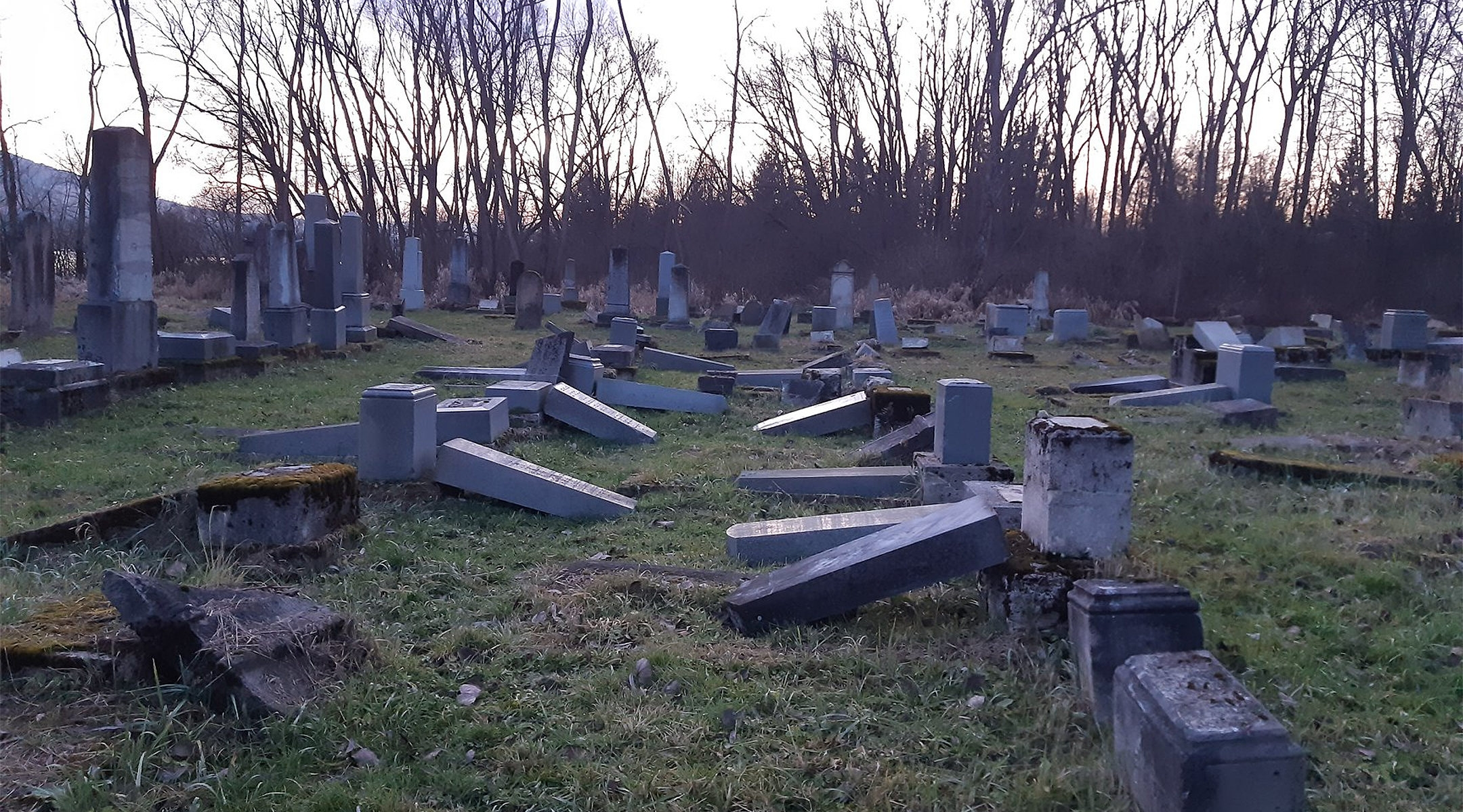 The aftermath of vandalism at the ancient Jewish cemetery of Námestovo, Slovakia in December 2019. (Courtesy of ZCN)
