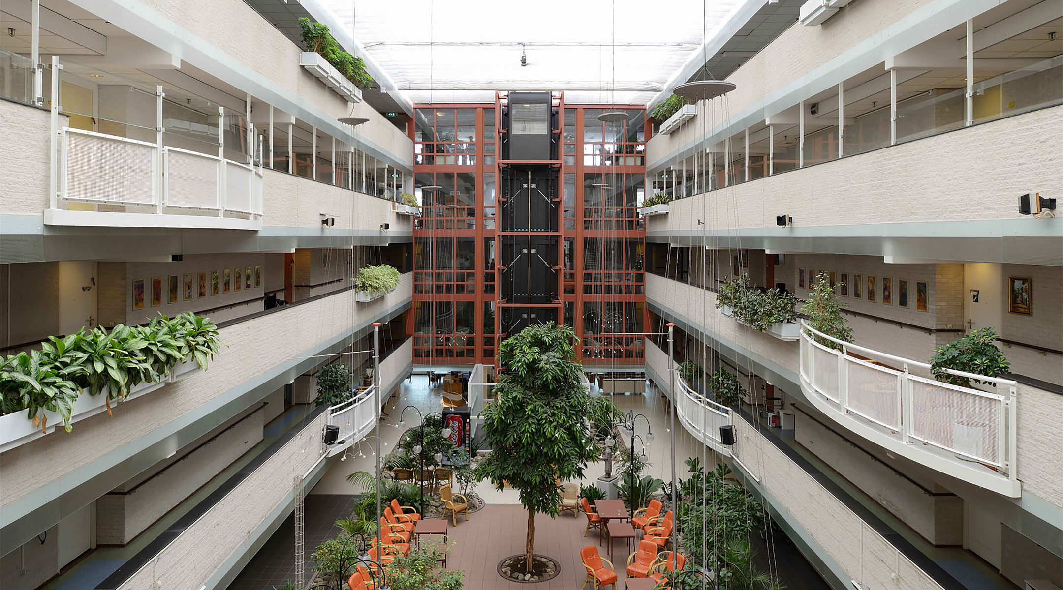 The atrium at the Beth Shalom nursing home in Amsterdam, the Netherlands. (courtesy of BOP architecten)