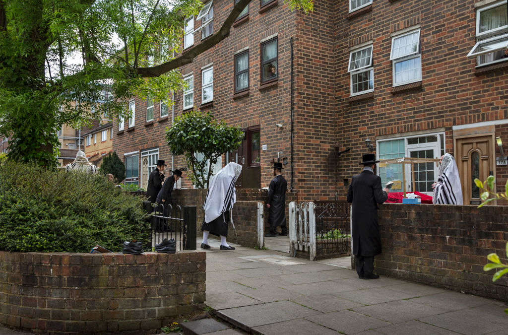 London police break up 400-person illegal wedding at haredi Jewish school