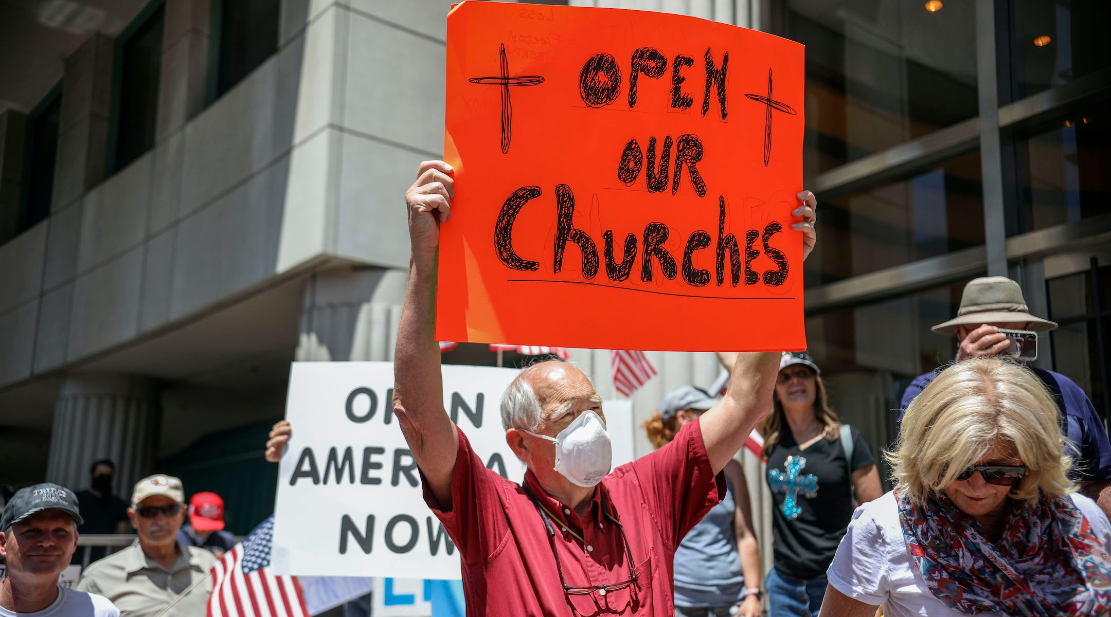 Synagogues demur as Trump demands that states let houses of worship reopen
