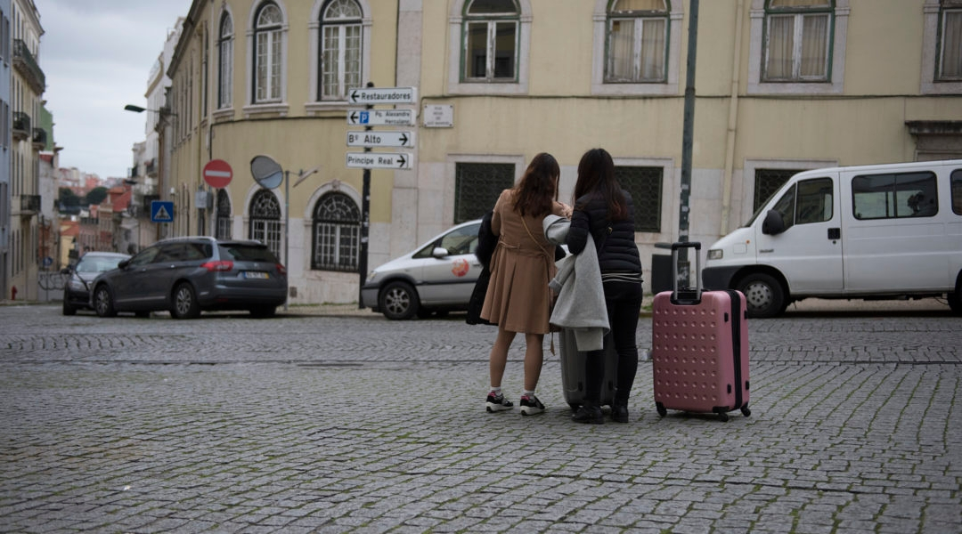 Two Israeli women arrivng to Lisbon, Portugal on Feb. 15, 2016. (Cnaan Liphshiz)