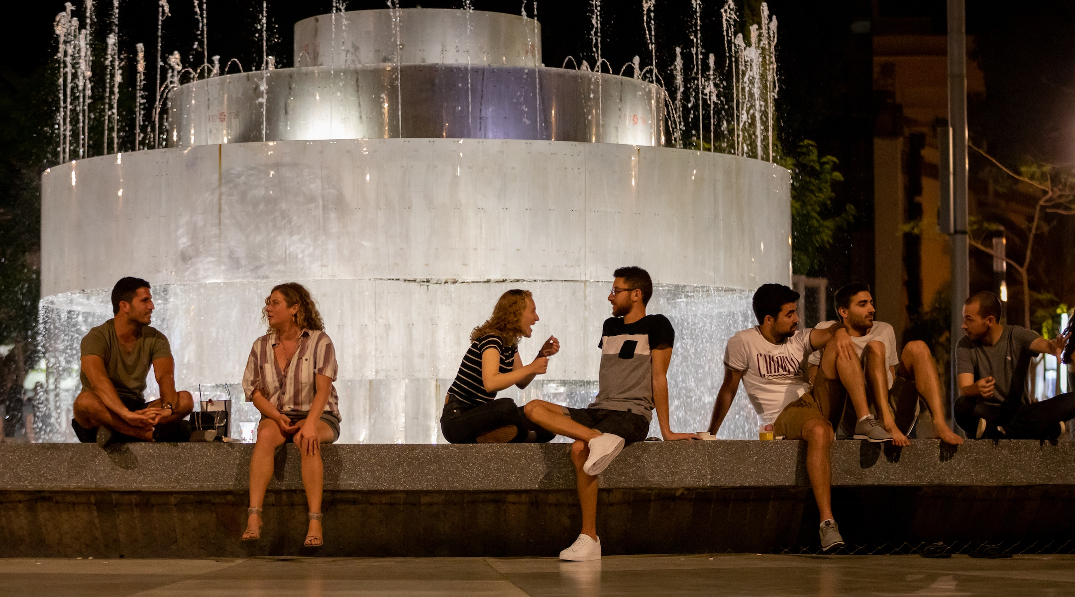 Neighborhood farmers' markets, to-go cocktails and online art: Tel Aviv's very Israeli response to staying...