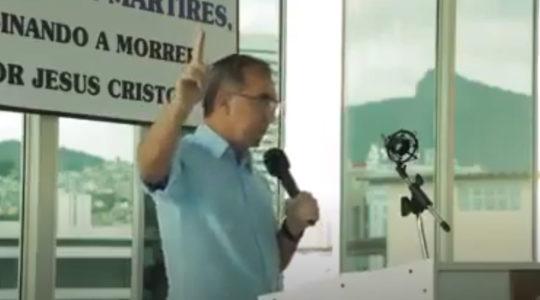 Pastor Tupirani da Hora Lores preaching at his church in Rio de Janeiro Brazil in June 2020. (Courtesy of Sinaggoa Sem Fronteiras)