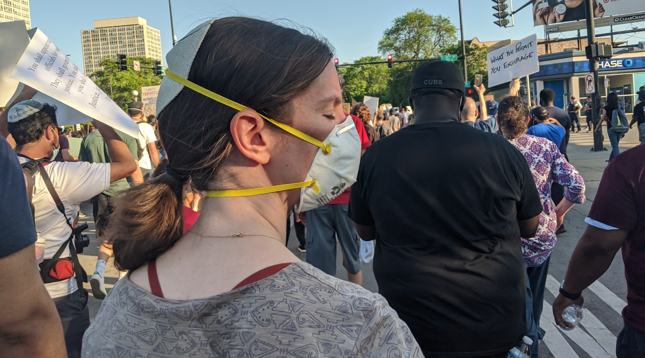 Rabbi Lauren Henderson attends the interfaith demonstration to protest the death of George Floyd in Chicago on June 2, 2020. (Courtesy of Henderson)