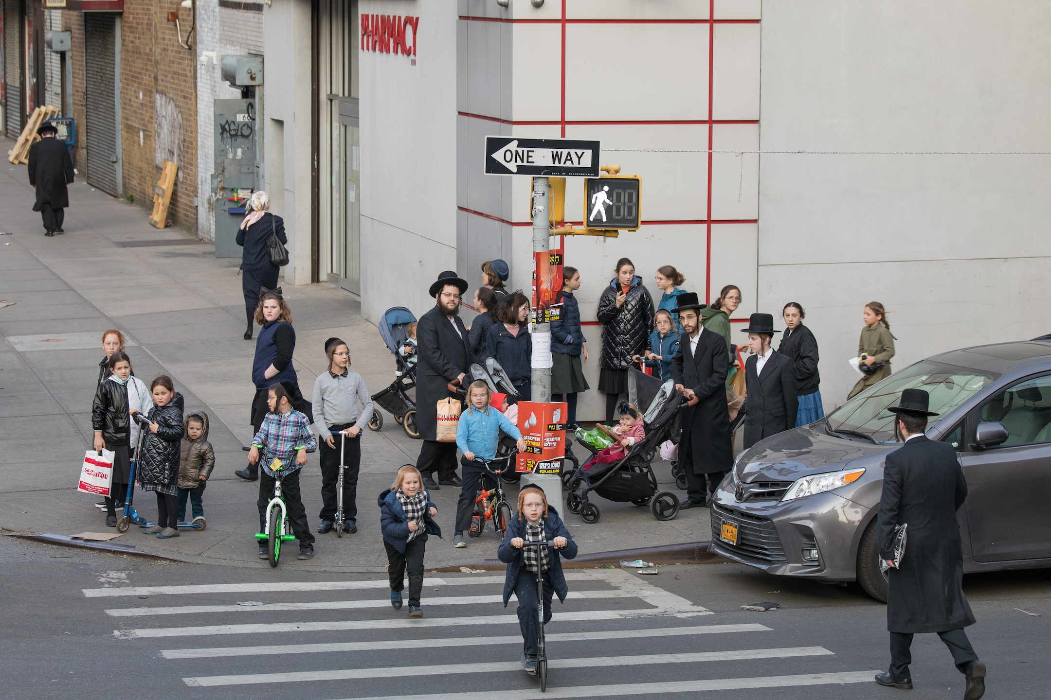 Brooklyn's Hasidic Jews Are Acting Like They Have Herd Immunity. Could They Be Right? 9