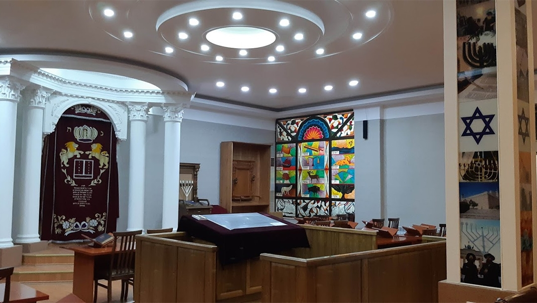 Uzbekistan Jews fight to save 124-year-old synagogue from demolition