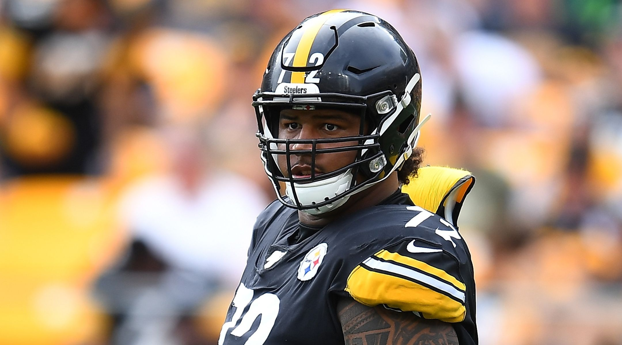 Pittsburgh Steelers' Zach Banner says Jews are minority, too, and we must 'put our arms...