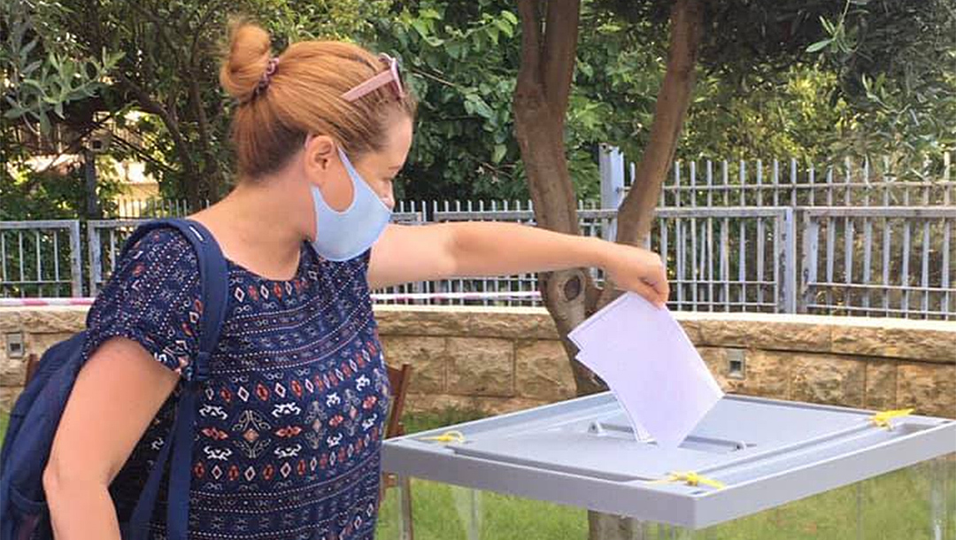 Israeli citizen faces criminal charges for voting three times in Russian referendum