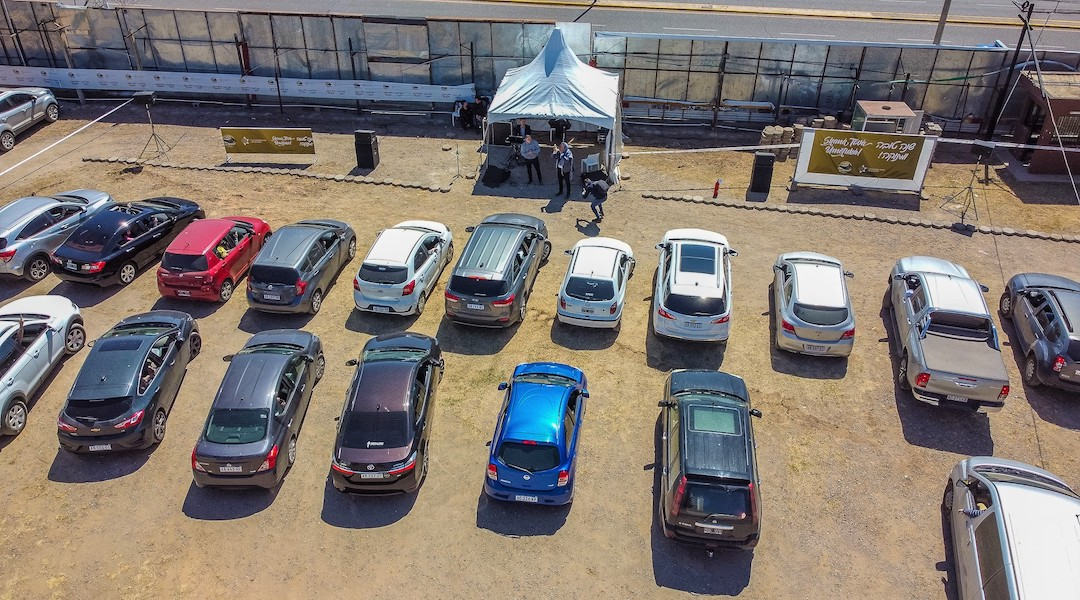 Argentine city holds a car show-inspired drive-in Rosh Hashanah service