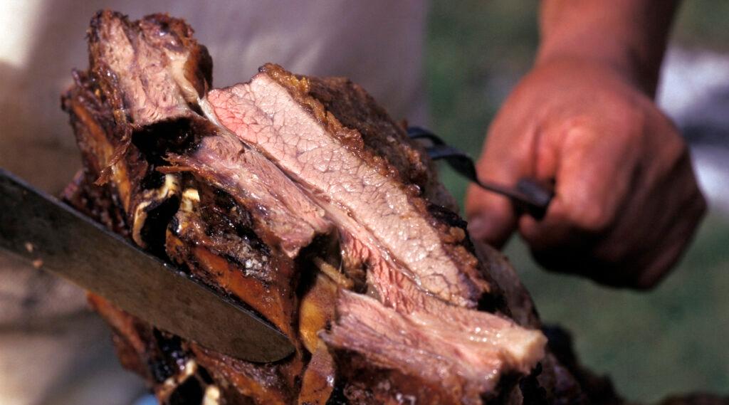 In Argentina, a Jewish businessman starts a kosher meat price war
