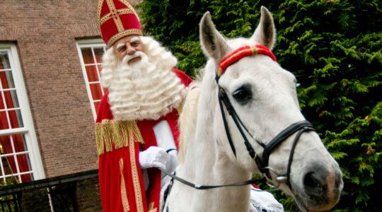 Bram van der Vlugt portrays Sinterklaas in Zeist, the Netherlands on Oct. 27, 2008. (Wikimedia Commons/R.F. (Roel) Jorna)