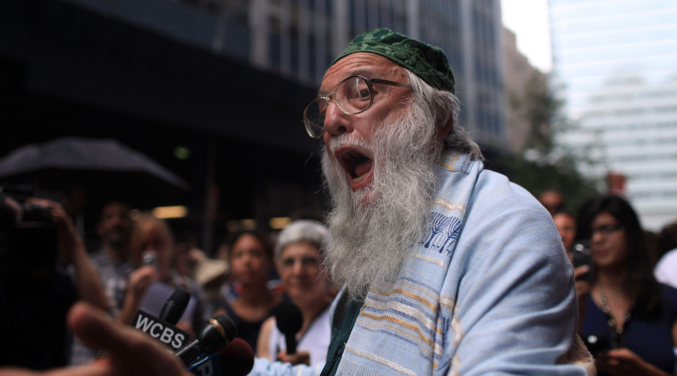 At 87, activist rabbi Arthur Waskow is still protesting — and still getting arrested
