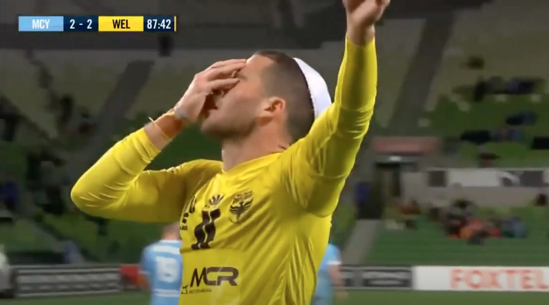 Tomer Hemed celebrates a goal with a kippah.