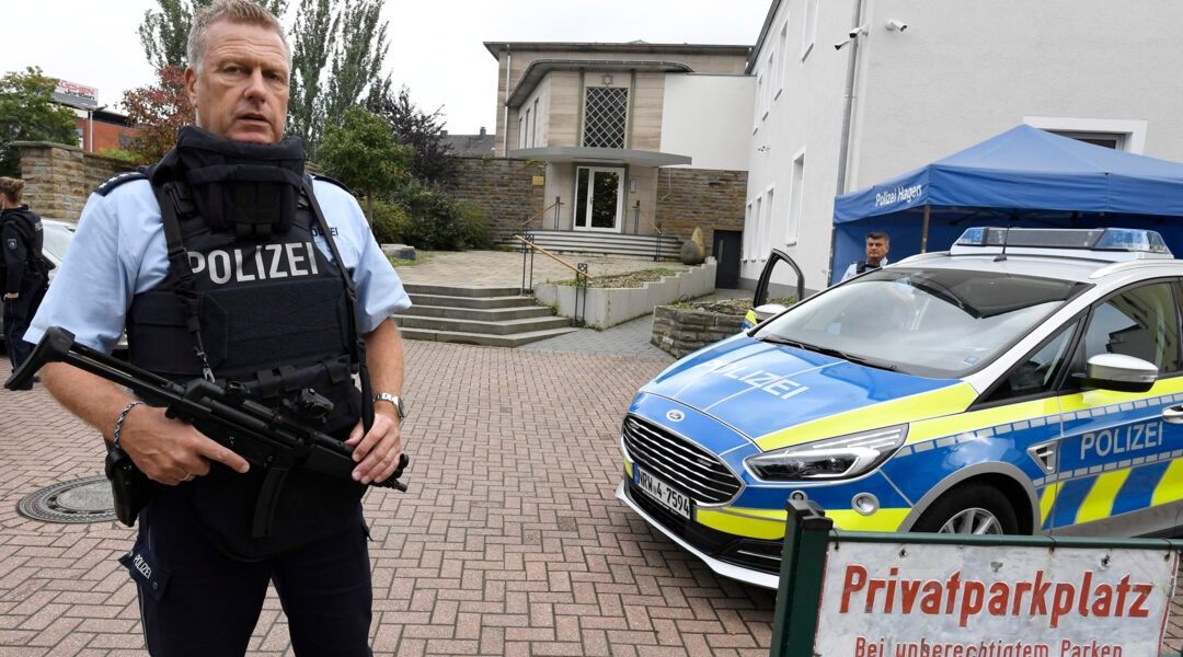 Police guard the synagogue of Hagen, Germany on Sept. 16, 2021. (Roberto Pfeil/picture alliance via Getty Images)