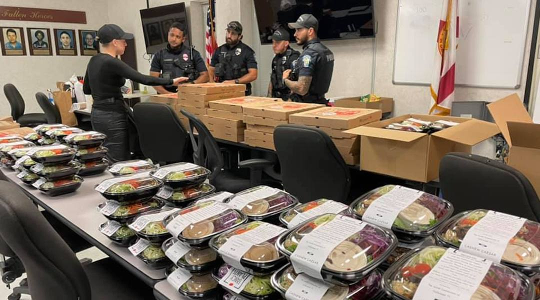 Florida Jewish community sends food to police precinct after officer was shot nearby